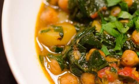 Curry de pois chiches aux épinards