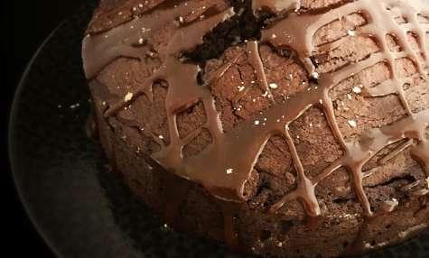 Gâteau au chocolat à la fleur de sel d'Ifaty et caramel beurre salé