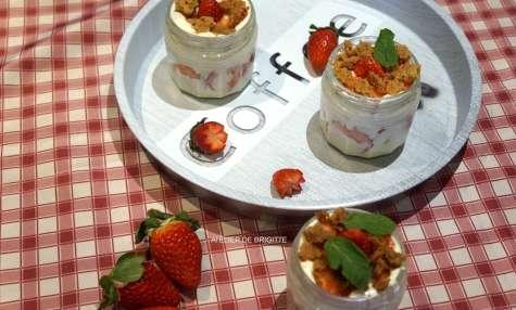 Tiramisu aux fraises, crumble pralin