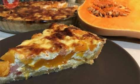 Quiche au butternut, lardons et oignons