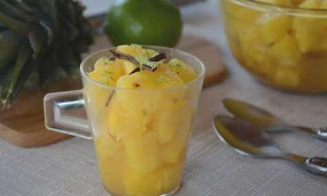 Salade d'ananas au citron vert et aux épices
