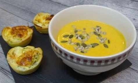Velouté de courge et carottes au cumin et crème d'amande et fromage de chèvre et graines croquantes