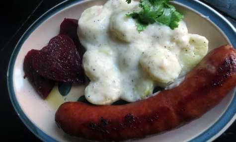 Saucisse Isterband & pommes de terre à la sauce blanche