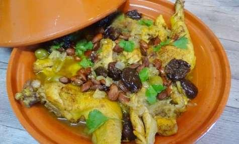 Tajine de poulet aux pruneaux, amandes et sauce au miel