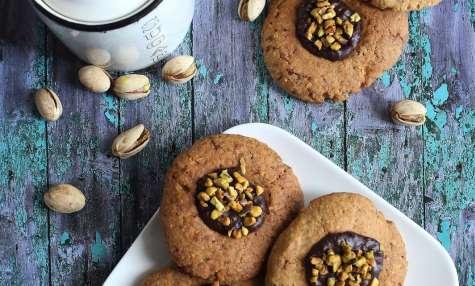 Biscuits noisettes, coeur fondant chocolat et pistaches