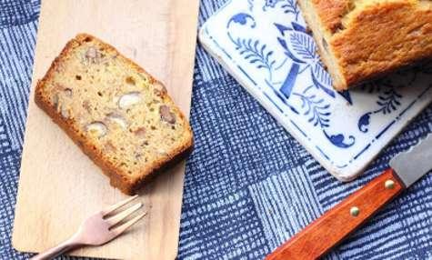 Banana bread à la marmelade d'oranges amères et aux noisettes