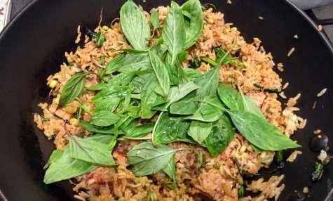 Riz sauté parfumé aux pousses de soja