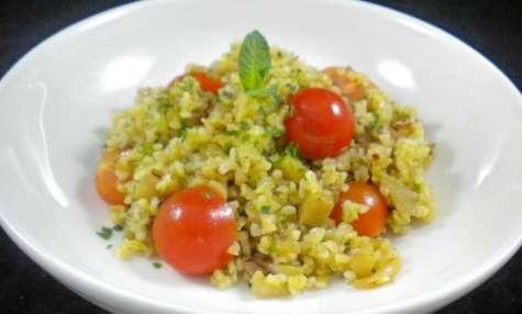 Salade de boulgour, aubergine, tomates,..