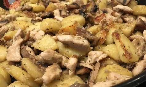 Poêlée de pommes de terre, champignons et poulet