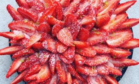 Sablé fraise, crème à la rose de Christophe Felder