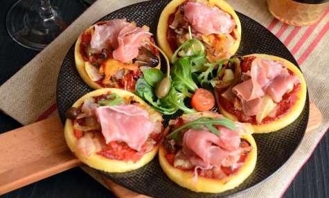 Mini pizzas polenta jambon de parme