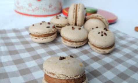 Macarons noisette, ganache chocolat praliné