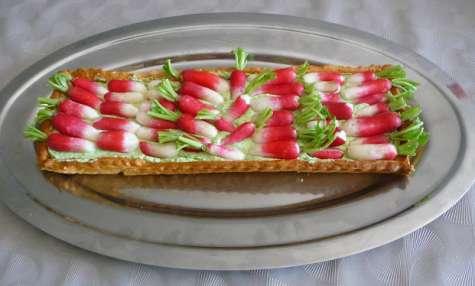 Tarte fraîche aux radis roses crème de fanes