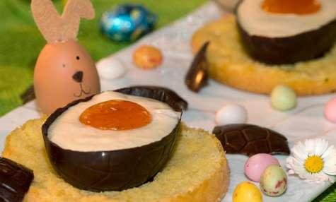 Œufs au chocolat blanc en coque de chocolat noir