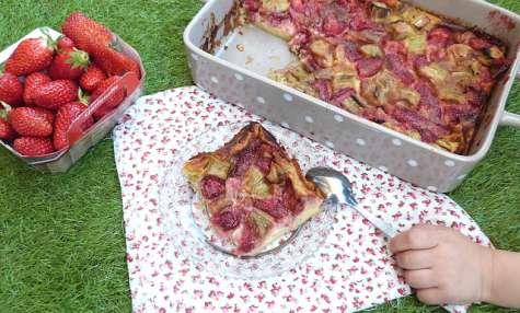Clafoutis trop gourmand fraise et rhubarbe