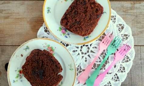 Cake chocolat noir et cerises griottes confites