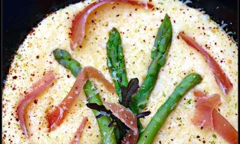Polenta, asperges et jambon de Parme