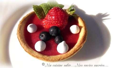 Tartelettes panna cotta au sirop de gingembre & coulis de fraises
