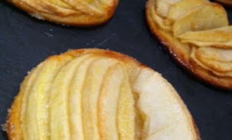 Tartes fines individuelles aux pommes