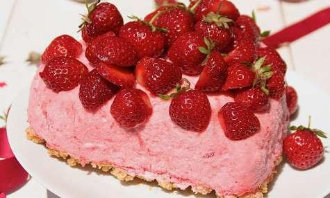 Coeur de fraises glacé pour la fête des Mamans