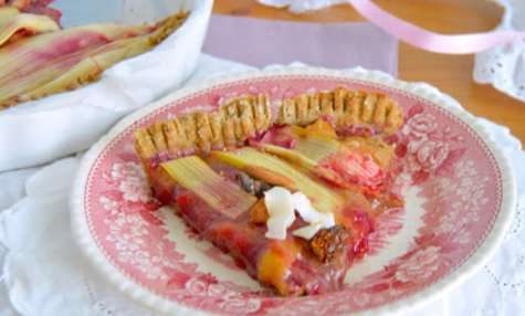 Tarte rhubarbe et fruits rouges au sarrasin