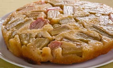 Gâteau à la rhubarbe version tatin