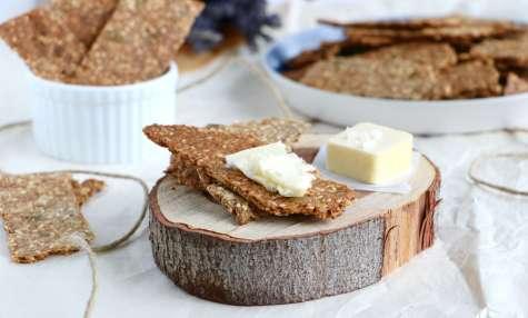 "Crackers suédois aux graines ""Knäckebröd"""