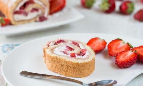 Roulé aux fraises et mascarpone facile et gourmand