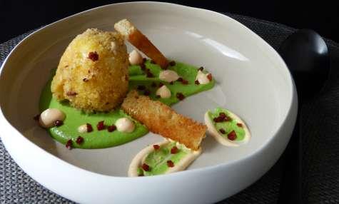 Oeuf croustillant, crème de petits pois et chorizo - Poivre & Zeste