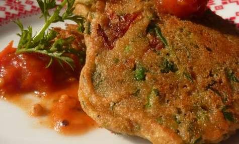 Beignets de fanes de carottes et tomates séchées et confit de tomates cerises
