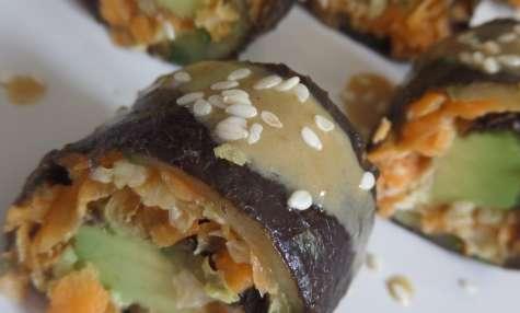 Bouchées Maki crues aux légumes, sauce miso et sésame