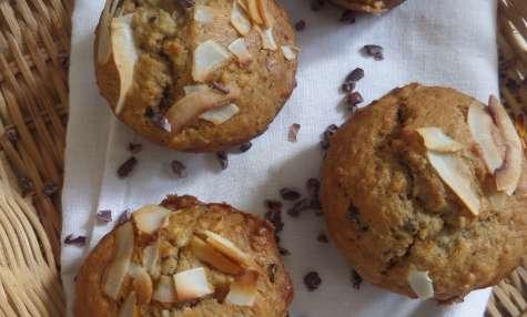 Muffins végétaliens à la banane, noix de coco, et éclats de fèves de cacao