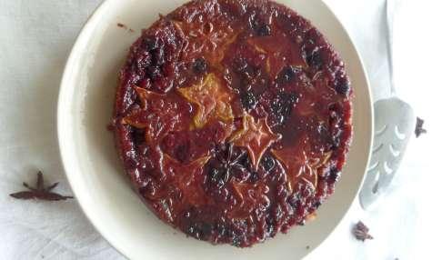 Gâteau tatin à la carambole et aux fruits rouges