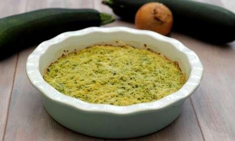Gâteau de semoule aux courgettes et oignons