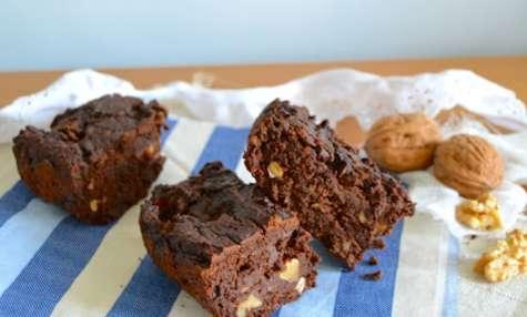 Brownie au chocolat noir, courgettes et noix