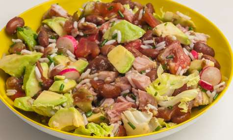 Salade de haricots borlotti, jambon, tomates et avocats