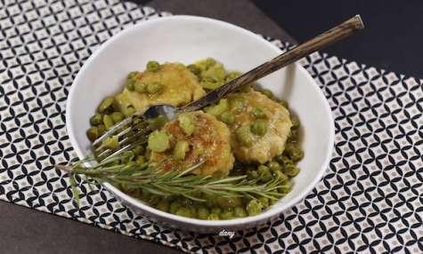 Boulettes de poulet aux fèves et petits pois