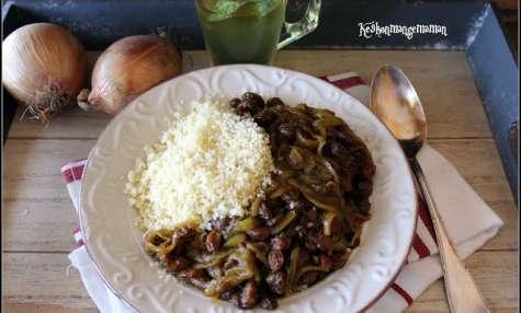 Couscous végétarien aux oignons et raisins secs du Maroc