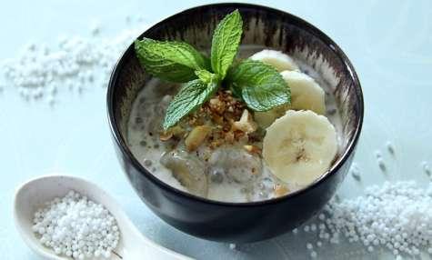 Bananes au lait de coco et aux perles de tapioca