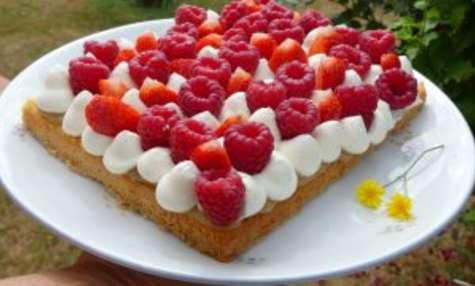 Tarte fraise, framboise & rhubarbe