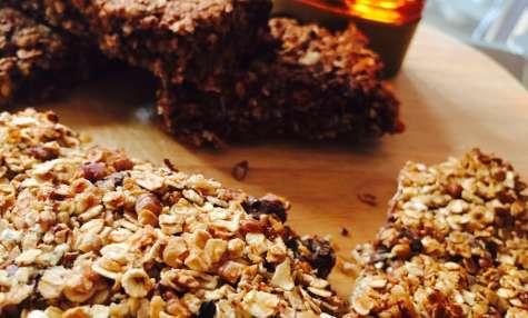 Barres de céréales maison aux fruits et au chocolat