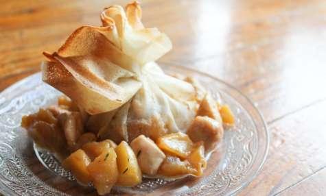 Aumônière sucré-salé pommes caramélisées et poulet