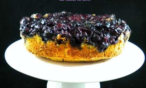 Gâteau moelleux renversé aux myrtilles