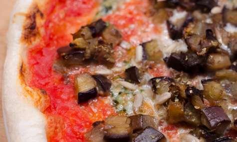 Pizza aux aubergines fondantes et au Comté