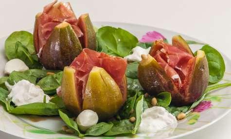 Salade de figues au jambon