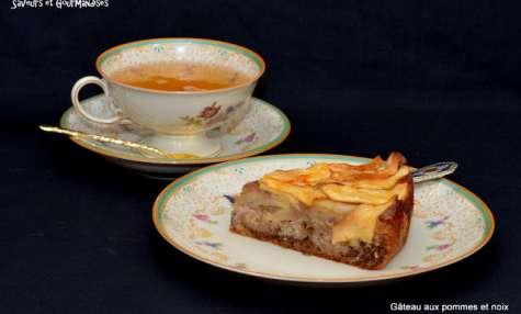Gâteau aux pommes Ariane et aux noix en frangipane.
