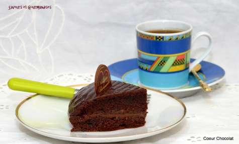 Gâteau cœur tout chocolat.
