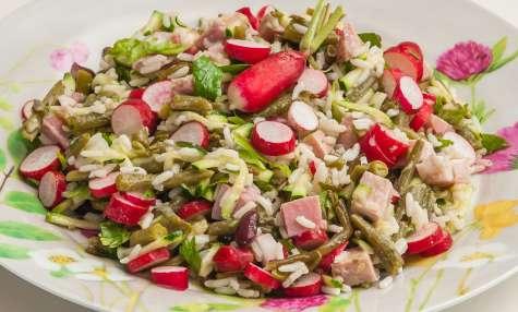 Salade de haricots, jambon, courgettes, radis et salicornes