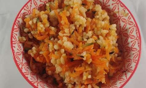 Salade de boulgour aux légumes sautés à l'huile de sésame