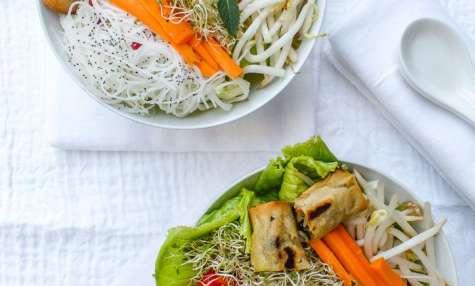 Bo bun végétal aux cacahuètes et petits légumes croquants